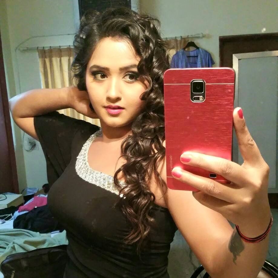 kajal_raghwani_hd_wallpapers