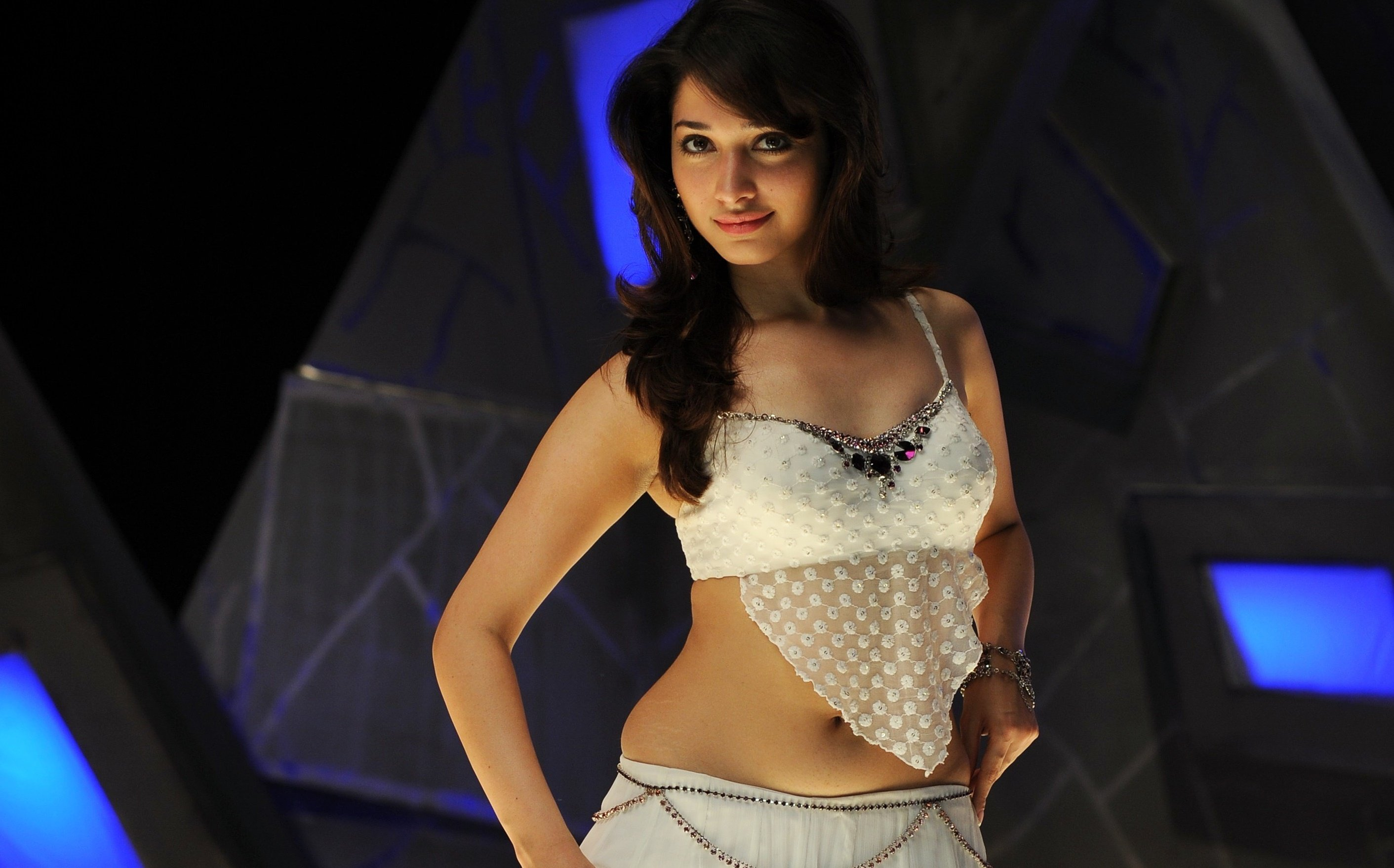 tamanna_hot_navel_photos